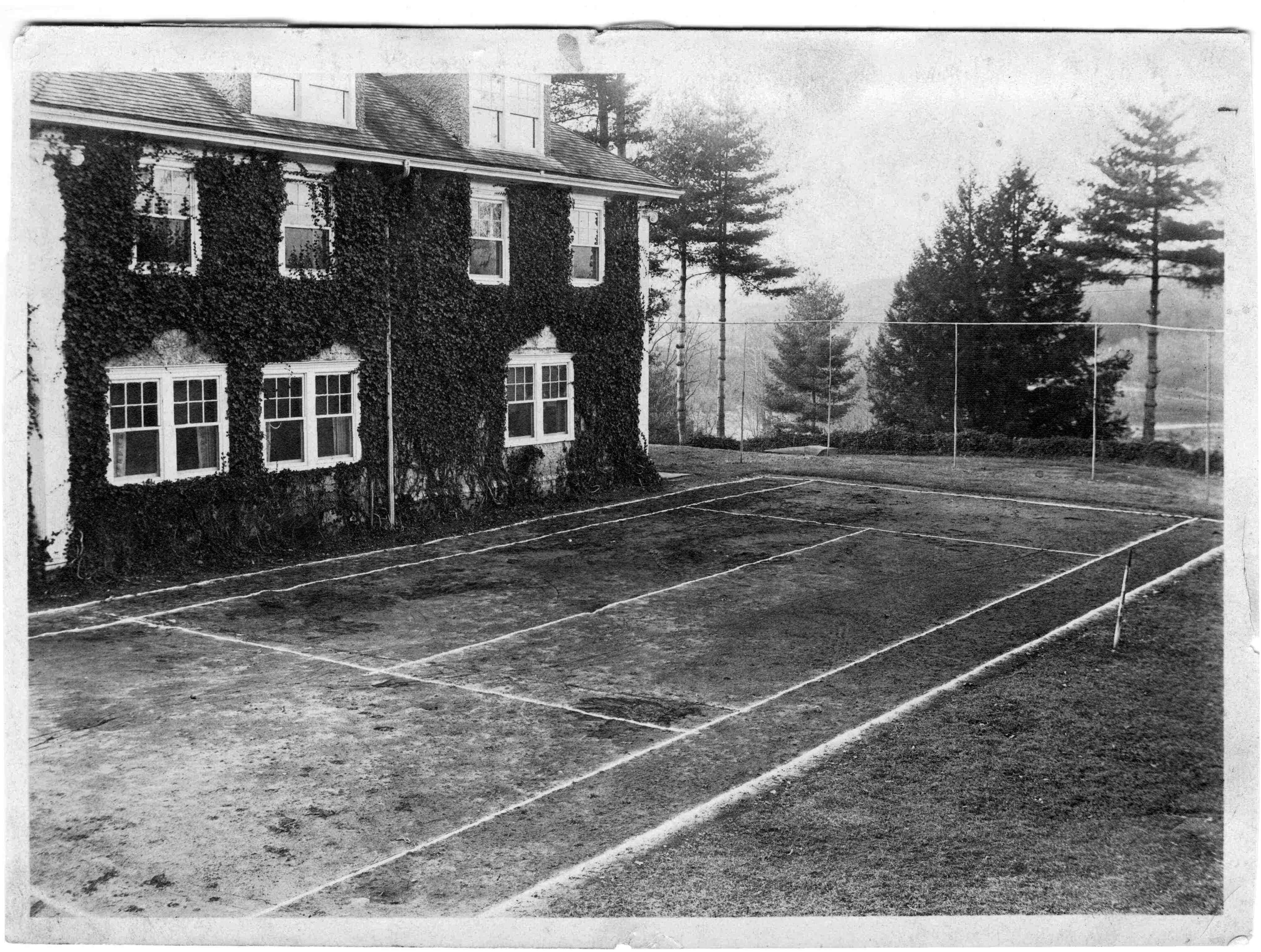 Carrier House tennis courts