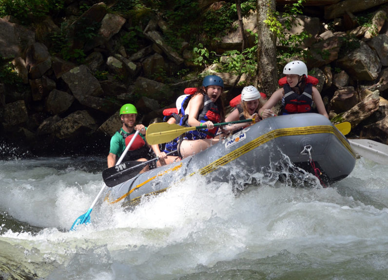 whitewater rapid rafting group