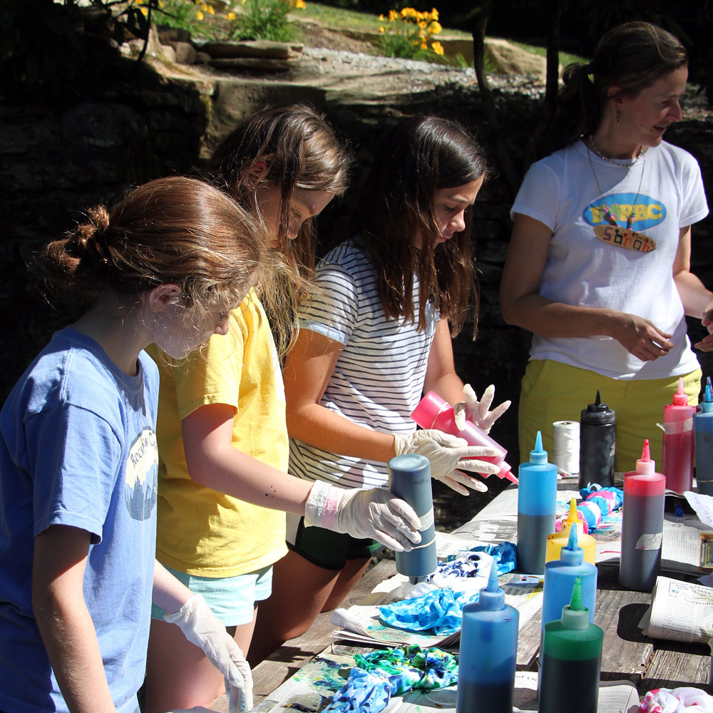Making tie dyes with Sarah