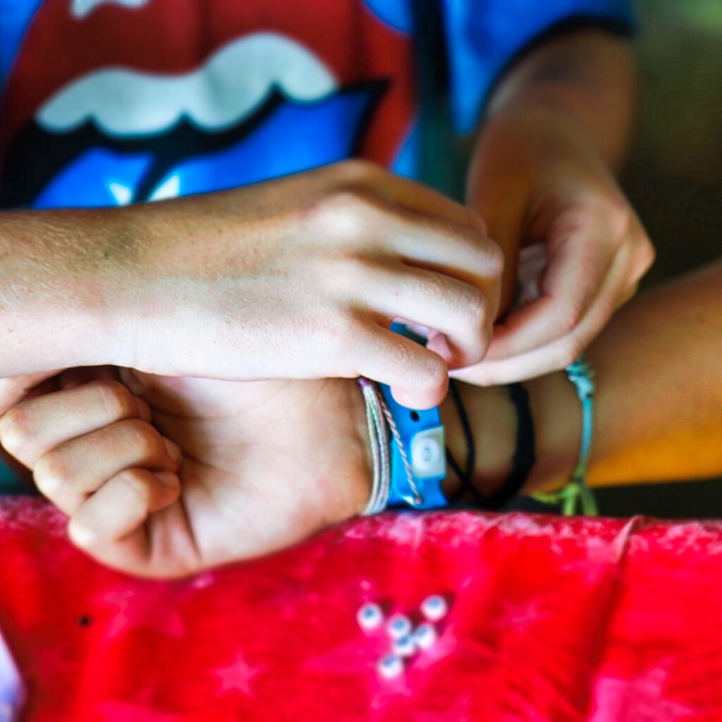 friendship bracelet tying