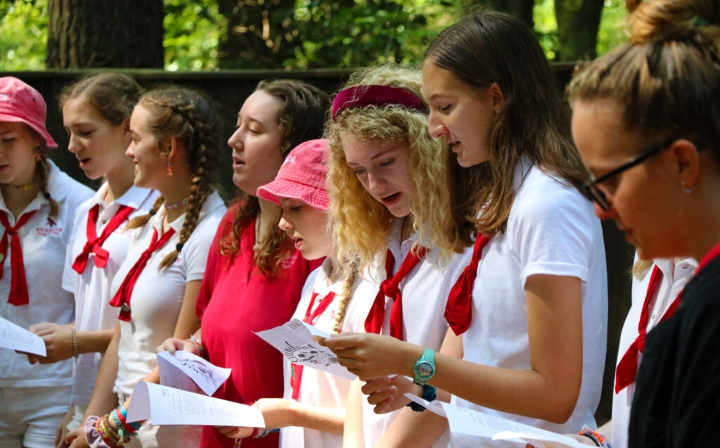 teen camp girls singing