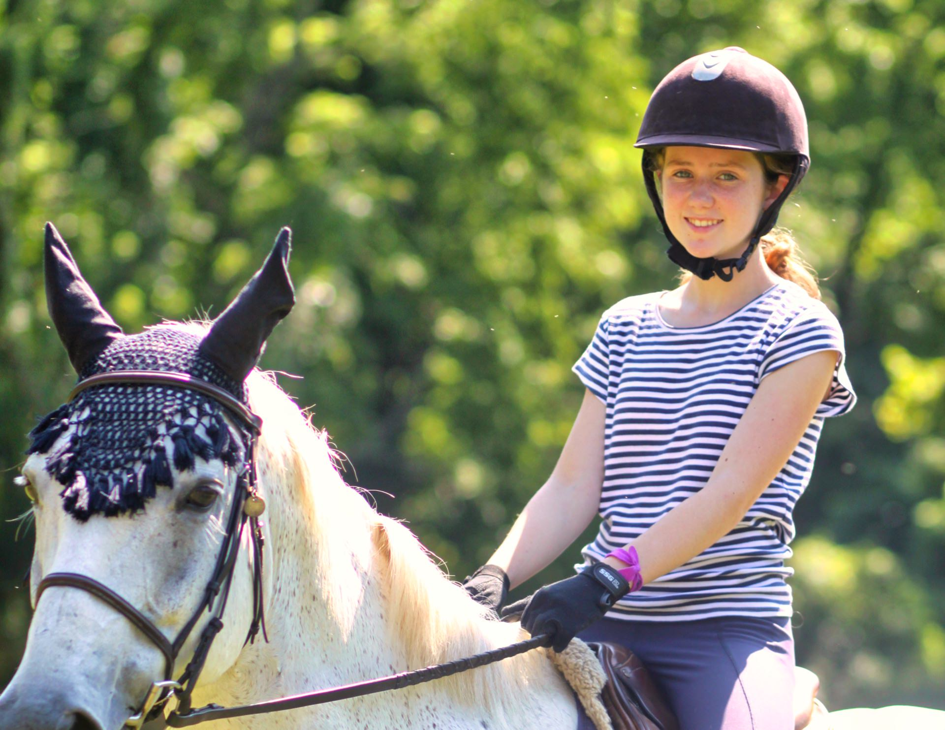 advanced horse back riding girl
