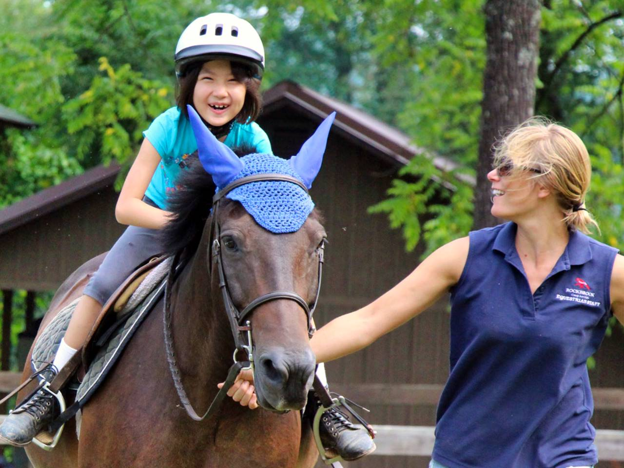 beginner horseback riding camp girl